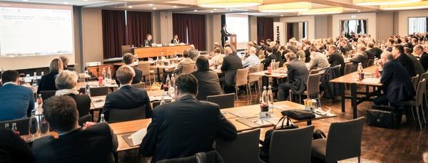 (c) RETech Konferenz